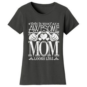 Awesome Mom Fitted T-Shirts Size L (10-12)